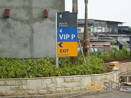 parking sign 10